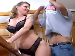 Big tits on this horny housewife who loves to get nasty in the kitchen