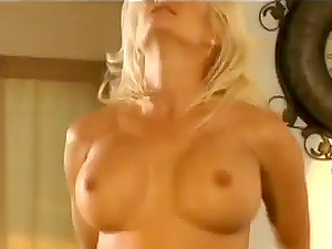 Blonde Cougar With Ideal Big Tits And Sexy Lengthy Gams Get Laid