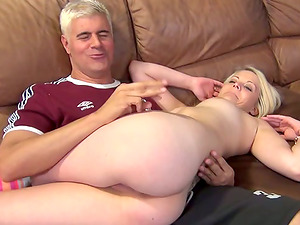 Sugary blondie Dallas loves being on top of him