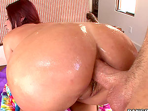 Slimy Rectal Hookup With a Delicious Brown-haired