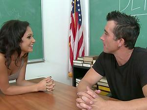 Lustful Ariana Marie rails big hard man rod in a classroom
