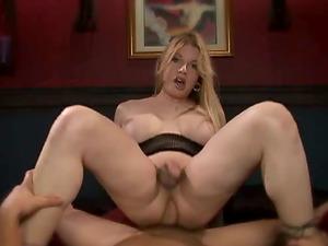 Vicki Richter the curvy tranny rails big hard dick