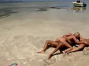 Two Fucksluts Outdoor Hard-on Sucking Threesome Act