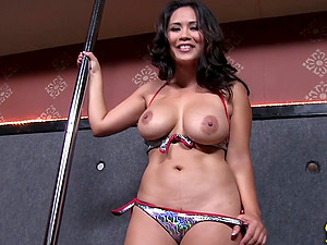 Big-chested Asian Lady Strips Off Her Swimsuit and Shows Her Big Tits