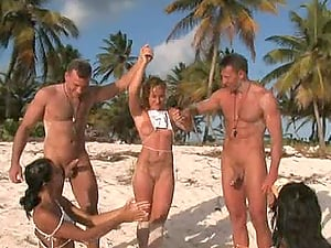 Runners' competition: the winner gets fucked on the beach