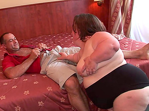 Obese dwarf gets her twat fucked in the missionary pose