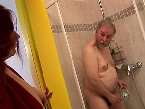 Mature ginger-haired strumpet gets her twat hammered by old fart