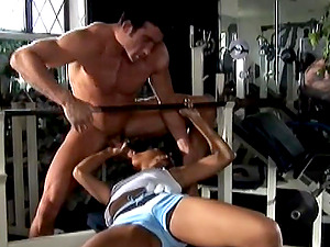 Gorgious Dark-hued Gets Penetrated Hard-core In The Gym