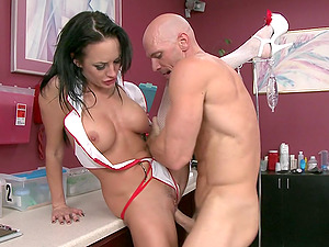 Such a steaming hot nurse is railing doc's man sausage