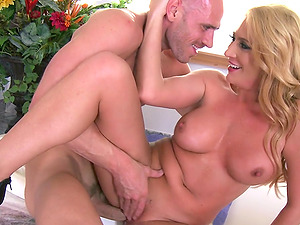 Appealing Cougar Getting Screwed Gonzo Doggystyle