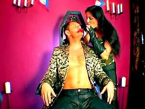 Beautiful Stud Gets A Gonzo Bj In FFM Threesome