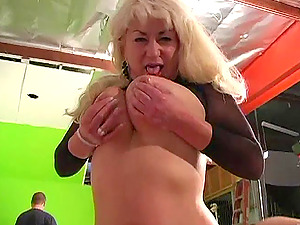 Cougar Girl/girl Yelling While Being Drilled With Fucktoys