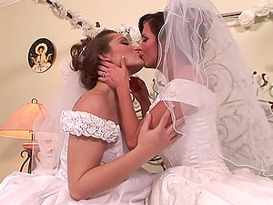 Gorgeous Sapphic With Big Beautiful Tits Getting Her Trimmed Beaver Tongued On Her Couch