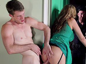 Hot Donk Julia Ann Gets Screwed In A Xxx MMF Threesome
