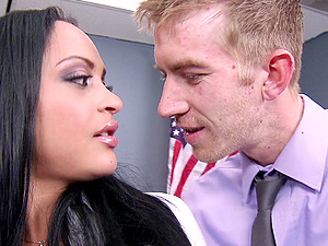 Stunning Dark haired With Faux Tits Gets A Facial cumshot Money-shot