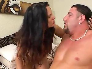 Two insatiable bitches share a prick in xxx FFM movie