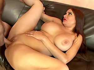 Kinky cougar with giant faux tits luving a gonzo fuck on her sofa