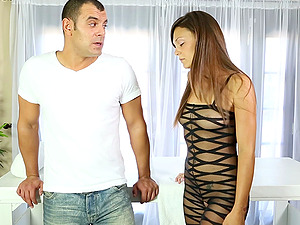 After an erotic rubdown she inhales his dick and makes him jizz