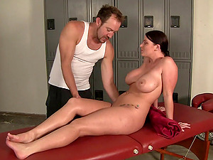 Hot bj scene with horny porno sweetie Sophie Dee in act