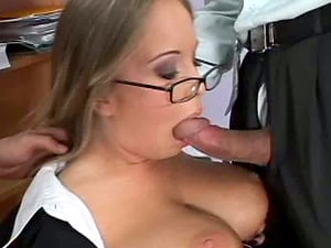 Pro blonde bitch with big tits in a threesome