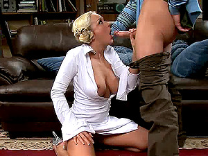 Princess Leia costume on a blonde fucking in a Big Bang Theory parody