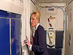 Hump story in the plane gets the stewardess sexcited