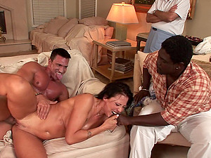 Cuckolded hubby witnesses his wifey gulp another boy's fountain