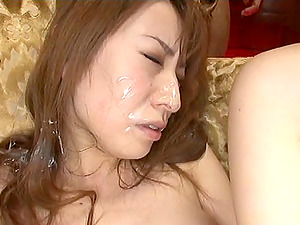 Playing Japanese dame cums then has him spunk all over her face