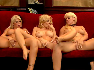 Wondrous big boobed blondes have the finest lezzy hook-up