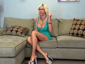 Nerdy Swedish beauty goes absolutely insatiable and plays with her cunny