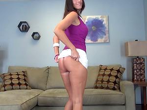 Sexy assets mummy Jennifer Dark does a wonderful striptease