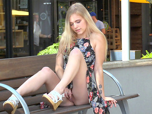 Appealing blonde beauty determines to showcase us her amazing fuck crevice