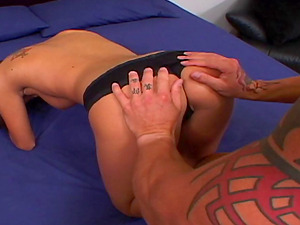 Fit and sexy cockblower drops her snatch onto his big dick