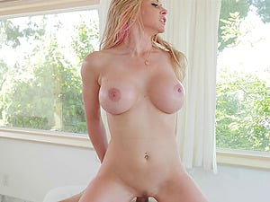 Blonde Rachel Roxxx oiled up and fucked passionately