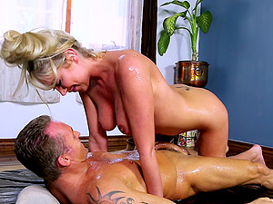 Cock-squeezing naked blonde stunner is his bod rubdown queen