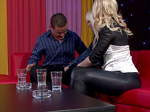 These blondes are totally down to have yet another threesome session