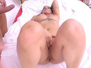 Muscular bald dude provides Claudia Bavel with a stunning drilling