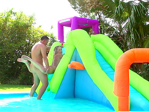 Bodacious Kagney lets the dude bang her beaver in the rubber pool