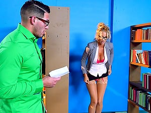 Book-loving blonde chick getting drilled just in the way she likes it