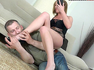 Tara's experienced hubby has to observe her getting penetrated