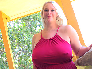 Irreplaceable solo model chubby with big natural tits displaying off her pierced labia