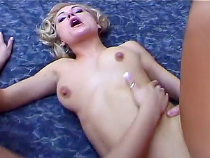 Natural tits cheerleader in miniskirt screams when pounded