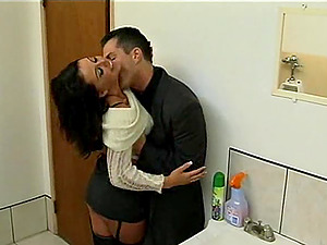 Horny dude puts on a condom and bangs the hell out of Kirsten's snatch