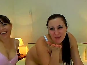 2 Hot Lezzie Webcam Femmes Dual Faux-cock Each Other