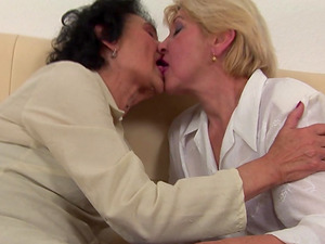 Mature lezzies Orah and Annika like participating in a threesome
