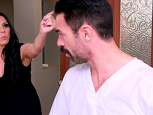 Good-looking fellow knows how to make Rachel Starr's vagina pulsate