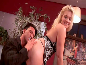 Screwing his cum-swallowing blonde wifey and dumping her face