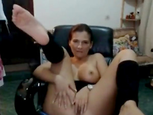 Hot milf almost gets caught by guy getting nasty on livecam