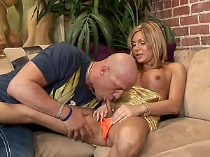 Hot shemale Carmen Cruz entices a fellow and gets her asshole drilled