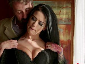 Brunette hoe Katrina Jade having her pierced pussy penetrated